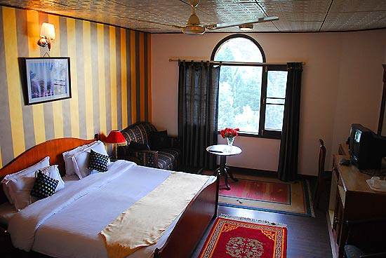 Luxury Hotel Room Deluxe Hotel In Dalhousie Lall Ji Resort